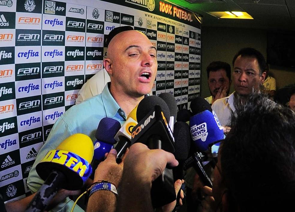 Maurício Galiotte ataca arbitragem após final do Paulistão (Foto: Marcos Ribolli)