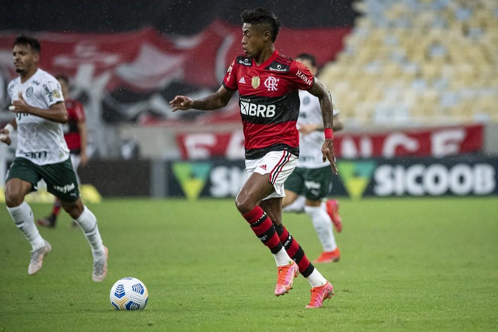 Bruno Henrique durante o jogo do Flamengo contra o Palmeiras — Foto: Alexandre Vidal/Flamengo