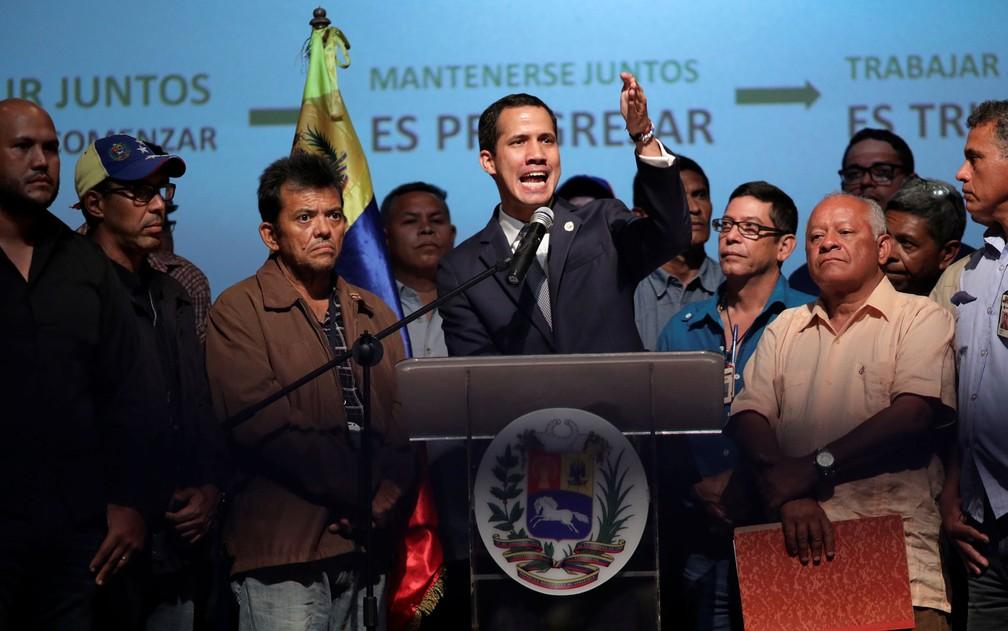 O autoproclamado presidente da Venezuela, Juan Guaidó, participou nesta sexta (3) de um encontro com trabalhadores da PDVSA — Foto: Manaure Quintero/Reuters