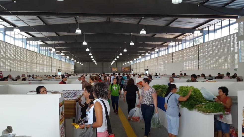 Feirão do Produtor funciona às quintas e sexta-feiras em Ji-Paraná (Foto: Natália Pessoa/Rede Amazônica)
