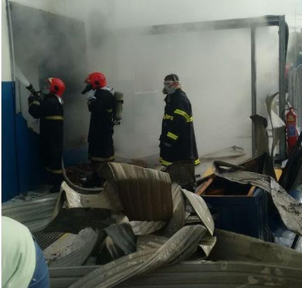 Seis meses depois, geradora ainda não sabe causa de incêndio que deixou cidades do AC 12 dias com apagões (Foto: Arquivo/Bombeiros Acre)