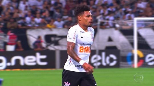 Do sonho da loja de pipa ao amor pelo Corinthians: conheça mais da história de Júnior Urso