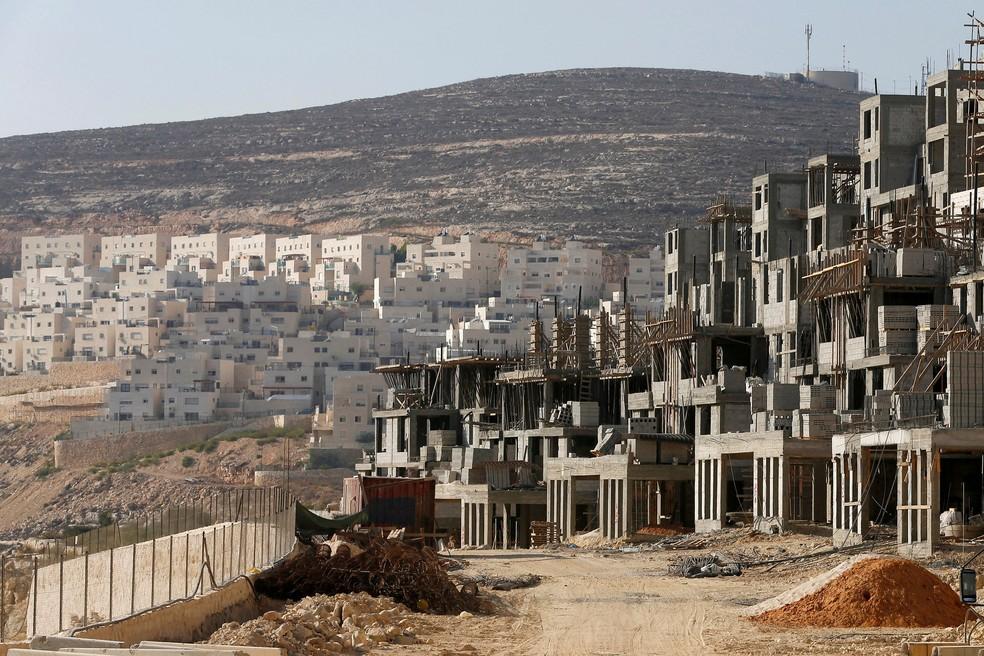 Imagem de 2013 mostra colônia israelense Givat Zeev na Cisjordânia, perto de Jerusalem (Foto: REUTERS/Baz Ratner/File Photo)