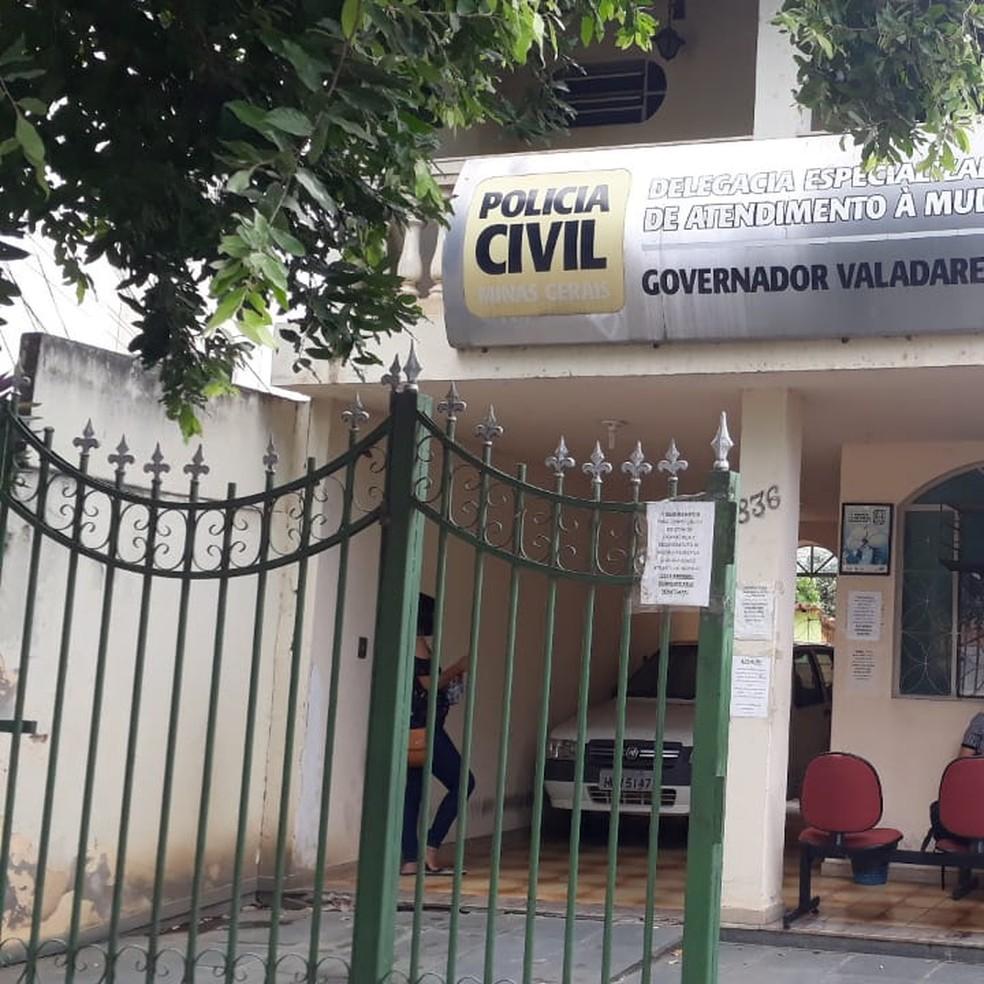 Autor foi encaminhado à Delegacia Especializada de Atendimento à Mulher de Governador Valadares — Foto: Samuel Bonicontro