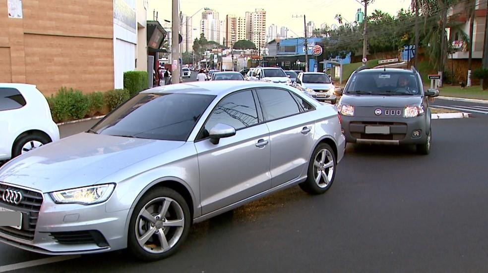 Rotatória entre as avenidas Portugal, Antônio Diederichsen e 9 de Julho passará por obras (Foto: Reprodução/EPTV)