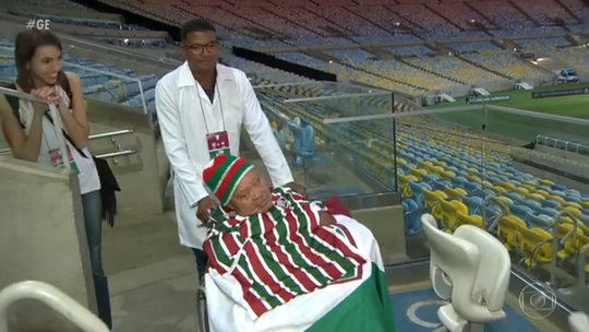 Veja a emocionante história do torcedor que foi ao Maracanã pela primeira vez aos 75 anos