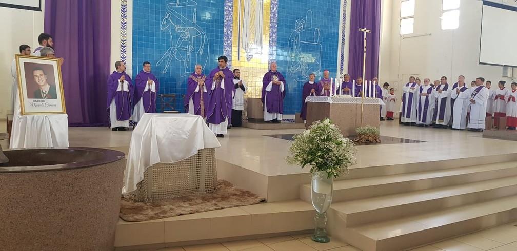 Missa marca em Florianópolis marca abertura de processo de beatificação de Marcelo Henrique Câmara — Foto: Paulo Mueller/NSC TV