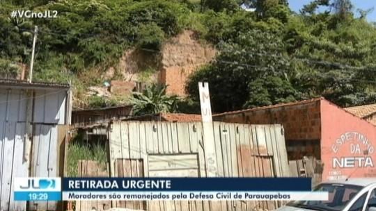 Moradores são obrigados a sair de área de morro com risco de deslizamento em Parauapebas, no PA