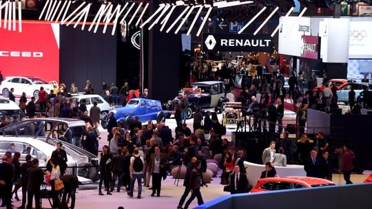 Salões de Paris e Colônia, voltinha no Volkswagen T-Cross e mais destaques da semana