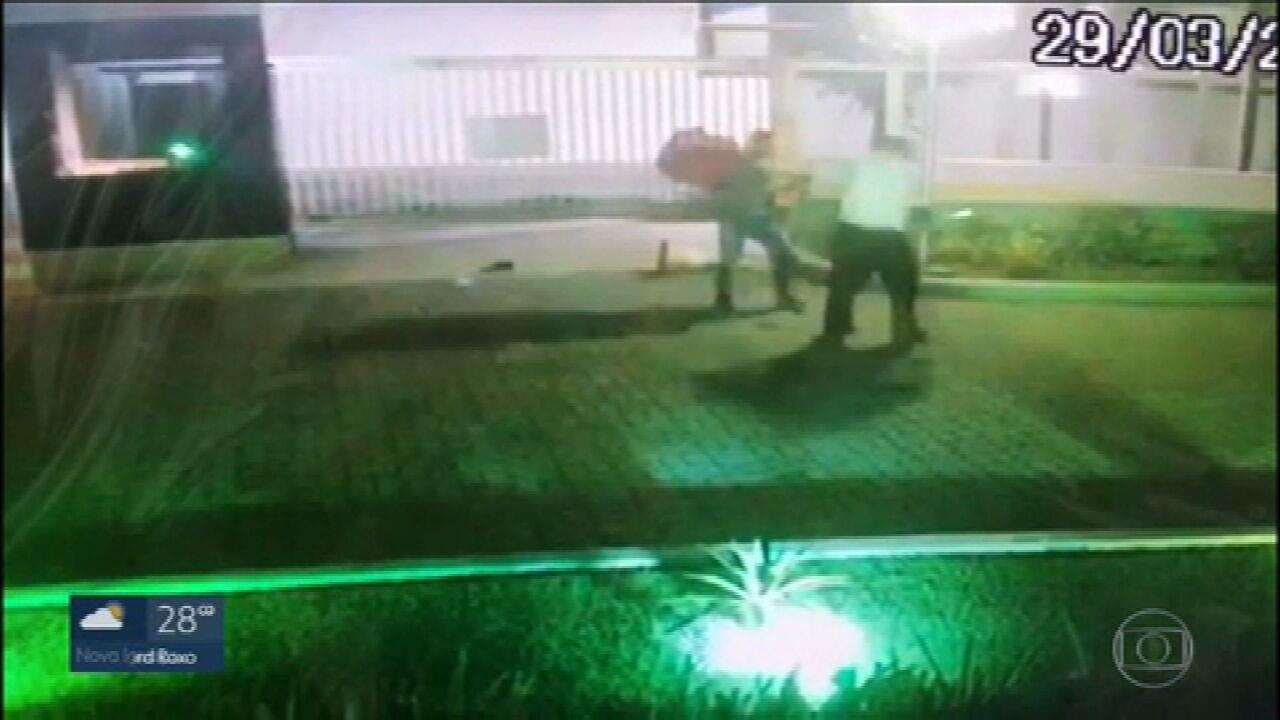 Porteiro morre após ser agredido por entregador, em condomínio na Barra da Tijuca