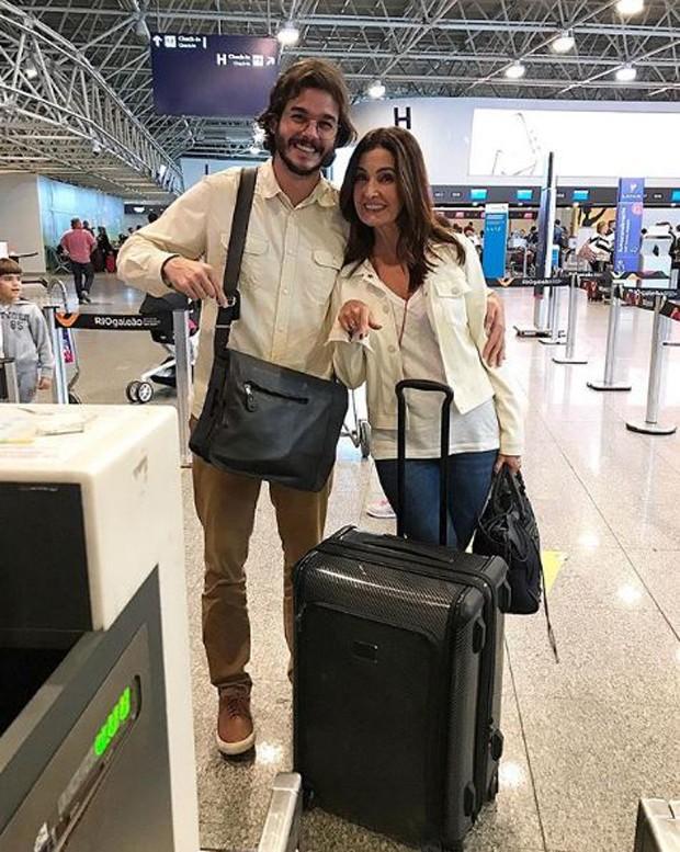 Túlio Gadelha e Fátima Bernardes no aeroporto (Foto: Reprodução/Instagram)