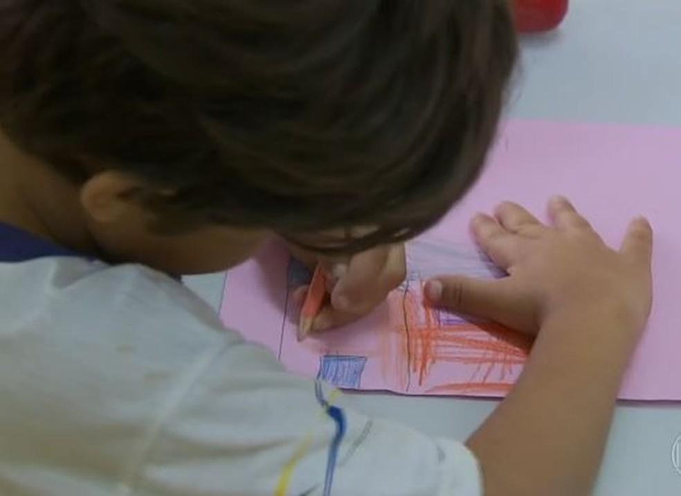 Educação domiciliar: liberdade para algumas famílias pode prejudicar crianças vulneráveis, dizem especialistas — Foto: Reprodução/JN