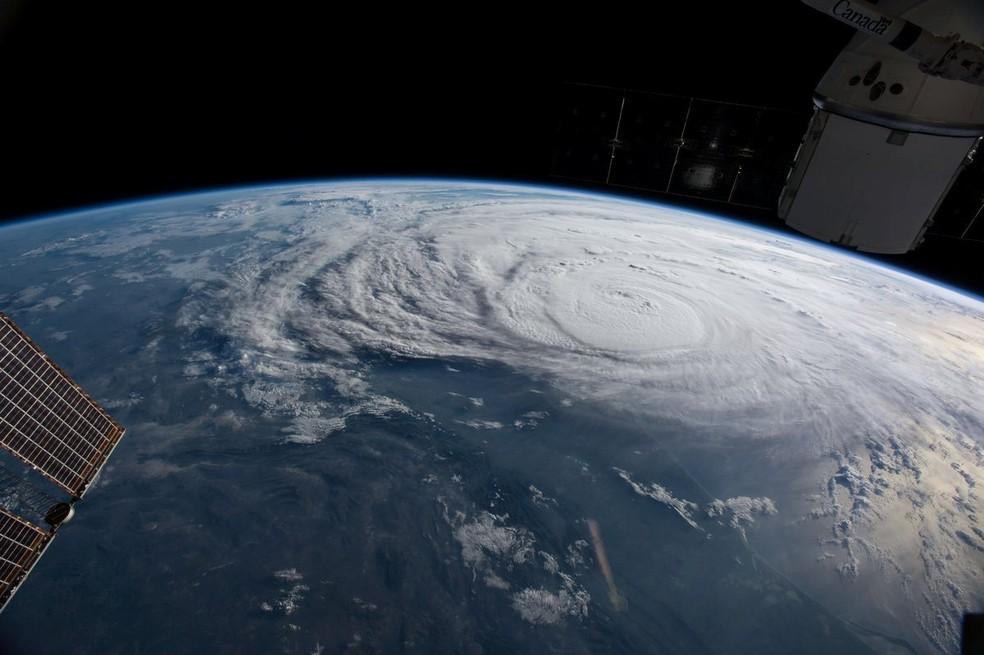 O furacão Harvey visto do espaço nesta sexta-feira, 25 de agosto (Foto: Reuters/Nasa)