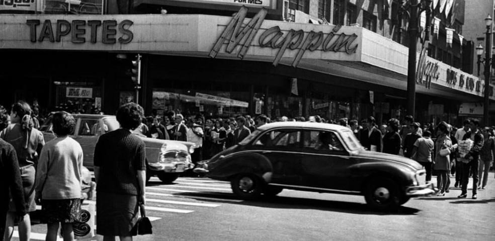 Em 1939, o Mappin mudou para a Praça Ramos de Azevedo, na capital paulista, e nas décadas de 40 e 50 passou a vender diversos tipos de produtos para seus clientes. — Foto: Divulgação