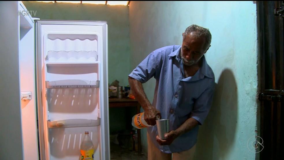 No Sudeste, quase todas as casas têm geladeira; eletrodoméstico está presente em mais de 90% das casas até das regiões mais pobres. (Foto: Reprodução/TV GRande Rio)