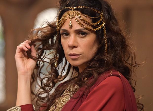 Vanessa Gerbelli interpreta a ambiciosa Herodíade na novela Jesus (Foto: Munir Chatack, Edu Moraes e Blad Meneghel/ Record TV)