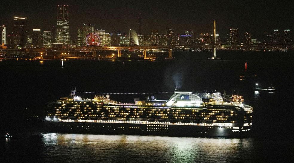 O cruzeiro Diamond Princess, onde navegou um homem infectado por coronavírus no final de janeiro.   — Foto: Kyodo/via REUTERS