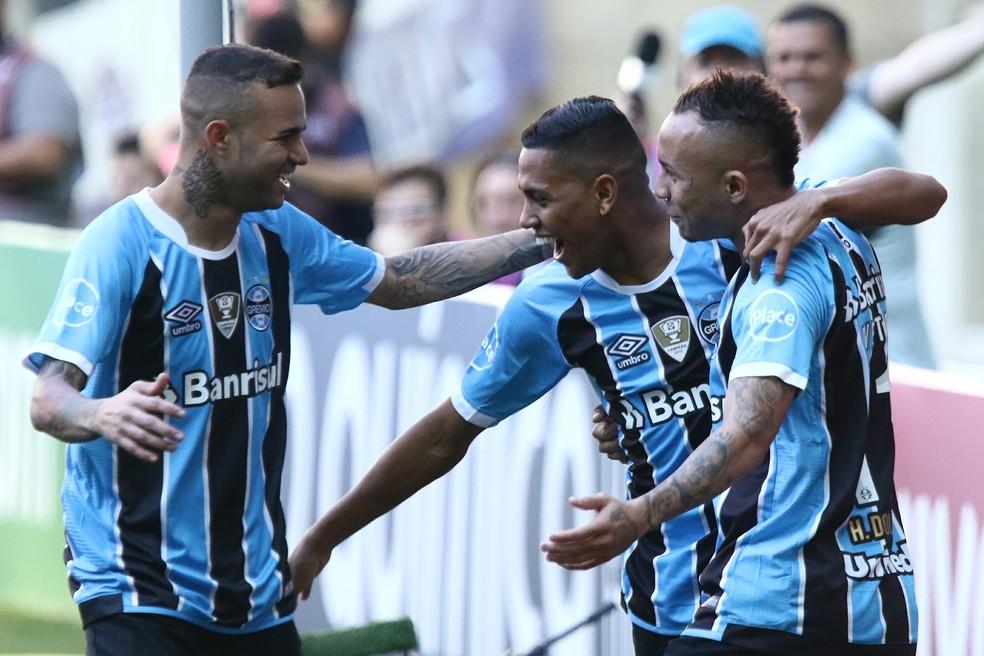Grêmio vence o Atlético-MG por 2 a 0 na Arena (Foto: Agência Estado)