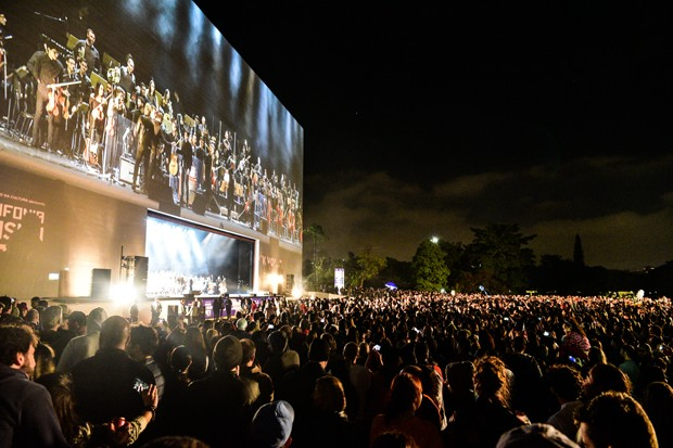 Orquestra Juvenil Heliópolis se apresenta no parque do Ibirapuera  (Foto: Leo Franco/AgNews)