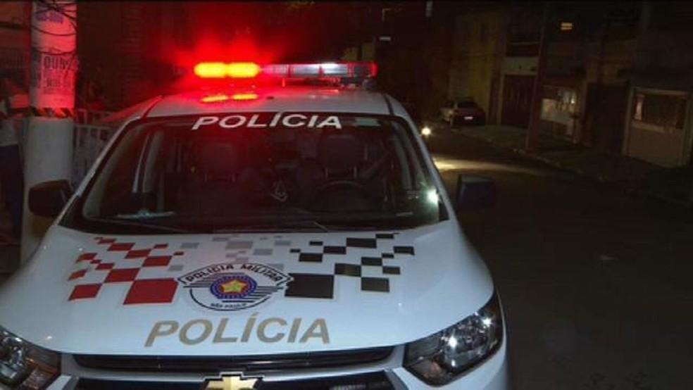 Homem mata mulher a tiros na Zona Sul de SP, fere pais e irmão da vítima e foge — Foto: TV Globo/Reprodução