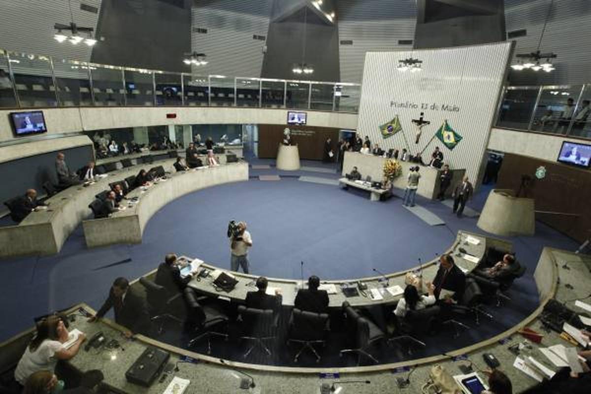 Resultado de imagem para Foto da assembleia legislativa do cear