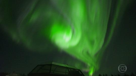 Turistas se encantam com fenômeno da aurora boreal