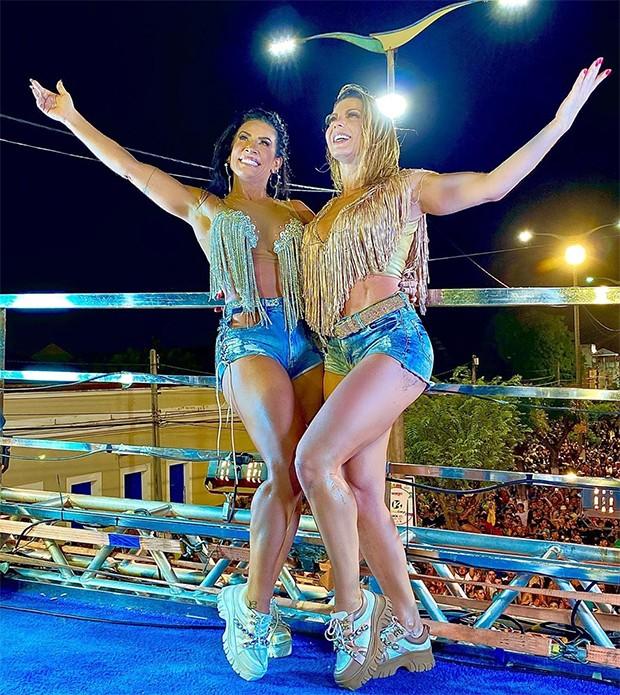 Scheila Carvalho e Sheila Mello levaram o público ao delírio (Foto: Reprodução / Instagram)