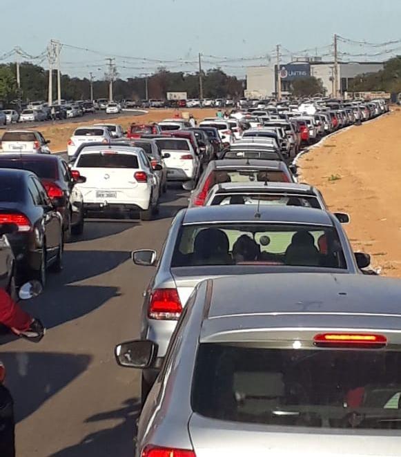 Provas de concurso causam congestionamento perto de universidade - Notícias - Plantão Diário