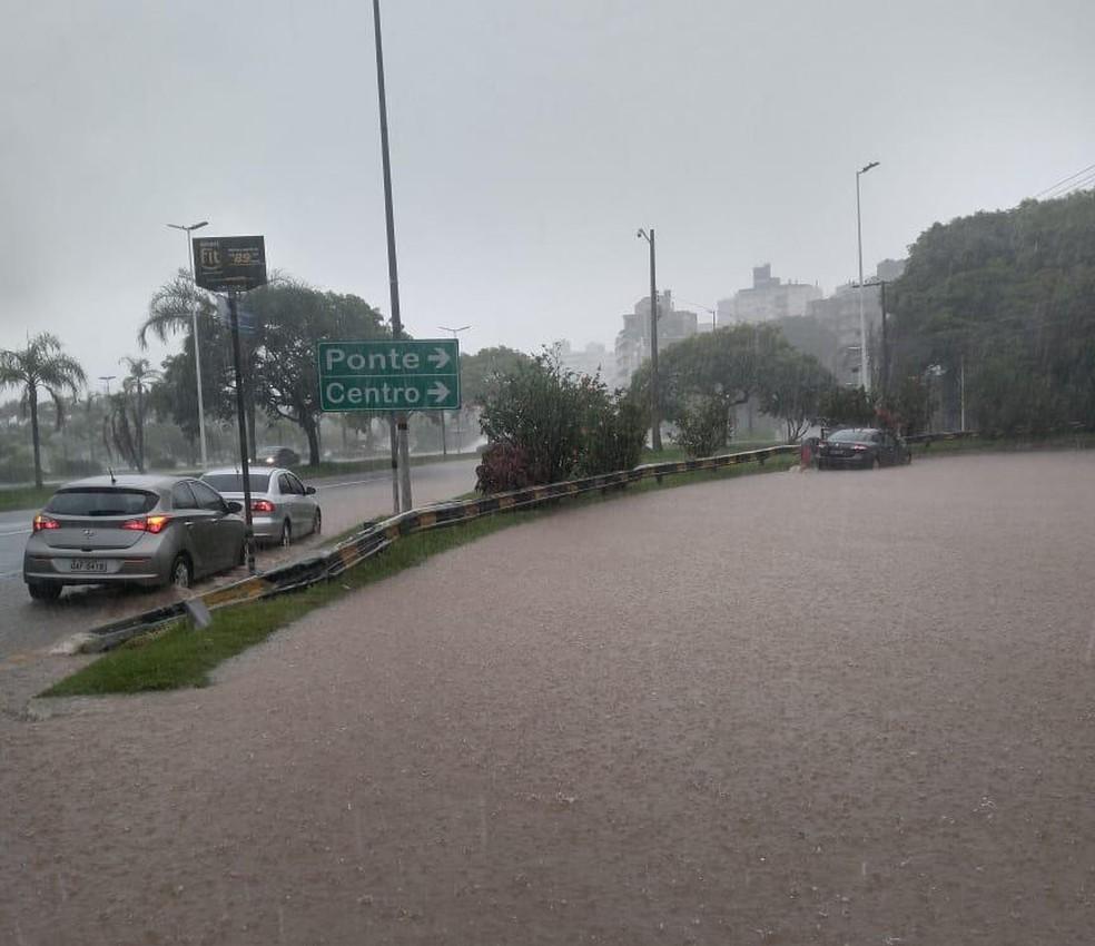 Ponto de alagamento no Centro de Florianópolis — Foto: GMF/ Divulgação