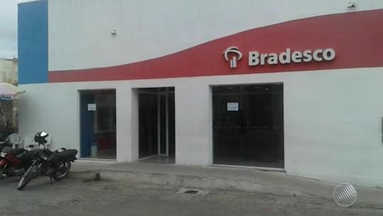 Bandidos se assustam com alarme de agência em tentativa de assalto na Bahia e fogem; dois são presos