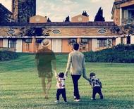 Montagem inclui Paulo Gustavo em foto dos filhos com Thales Bretas