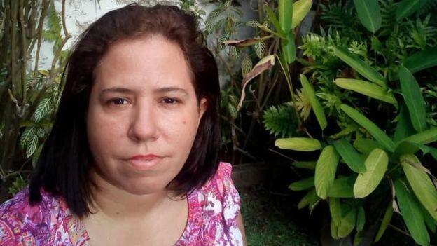 A venezuelana Patricia Aloy, de 44 anos, era criança quando a Venezuela 'esbanjou e não cuidou das contas públicas' (Foto: Arquivo pessoal via BBC News Brasil)