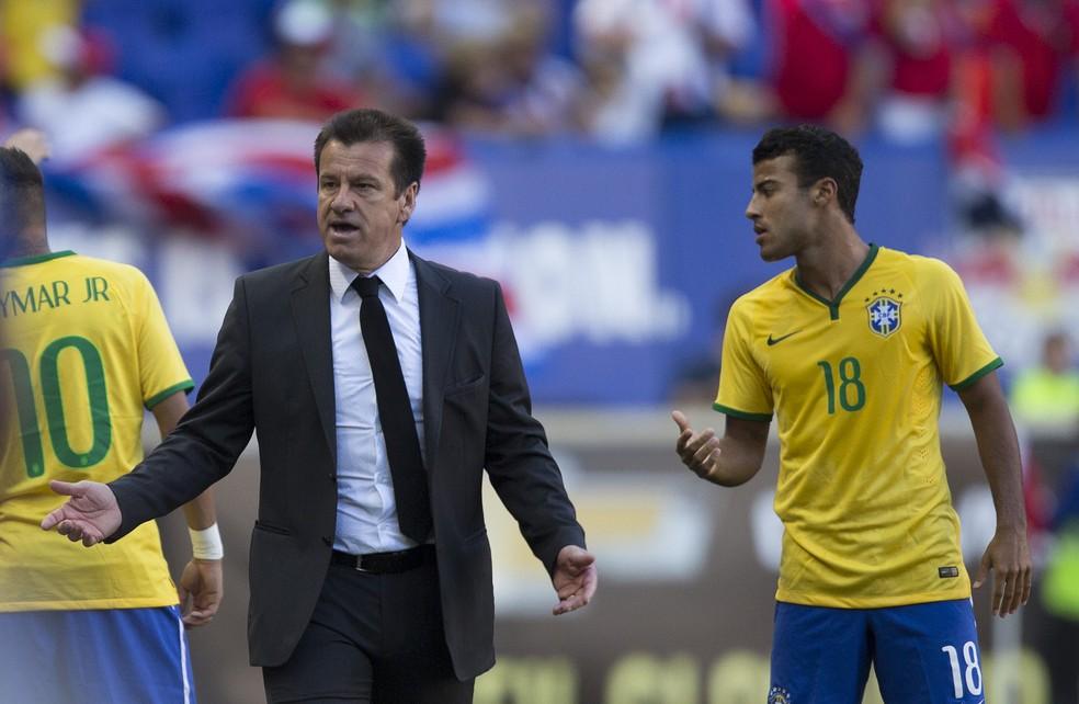 Sob o comando de Dunga, Brasil venceu a Costa Rica em amistoso em 2015 com gol de Hulk (Foto: Leo Correa / MoWA Press)