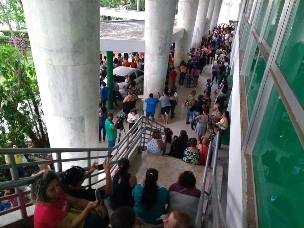 Servidores fazem assembleia e rejeitam proposta da Prefeitura — Foto: Sintep Subsede Cuiabá/Divulgação