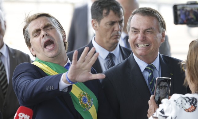 O humorista Márvio Lúcio, o Carioca, com o presidente Jair Bolsonaro