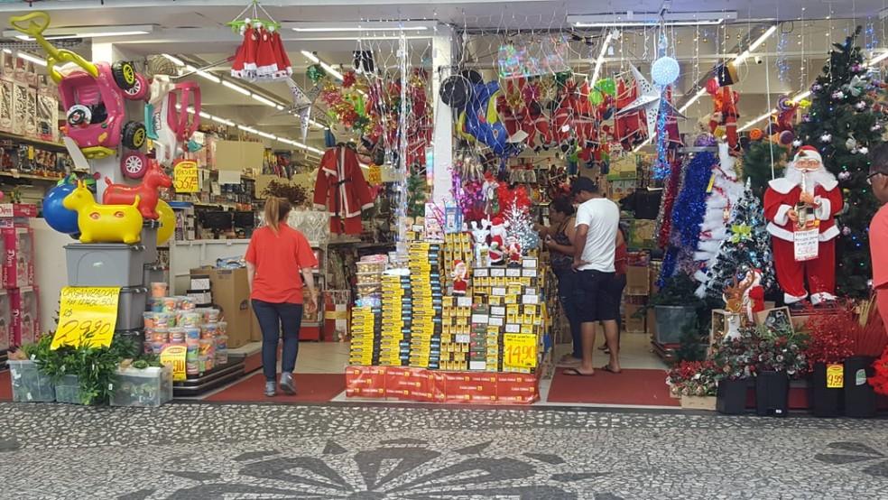 05be9a41b ... Comércio de Natal está aquecido com as festas de fim de ano — Foto   Natalia