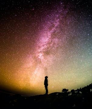 Céu do mês: meteoros e aglomerado estelar iluminarão fevereiro
