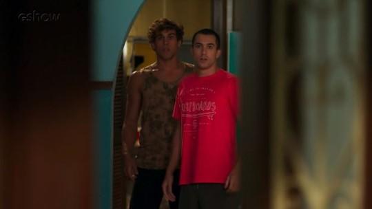 Teaser: Gabriel e Giovane se desesperam com sumiço de Dona Cleo