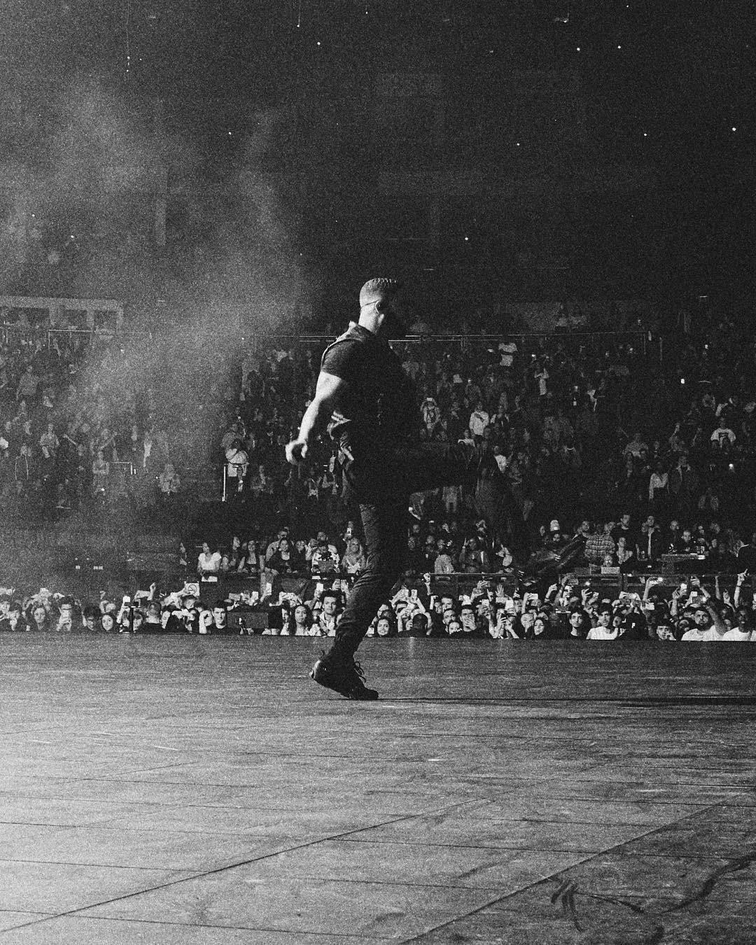 Drake em show em Londres (Foto: Reprodução: Instagram)