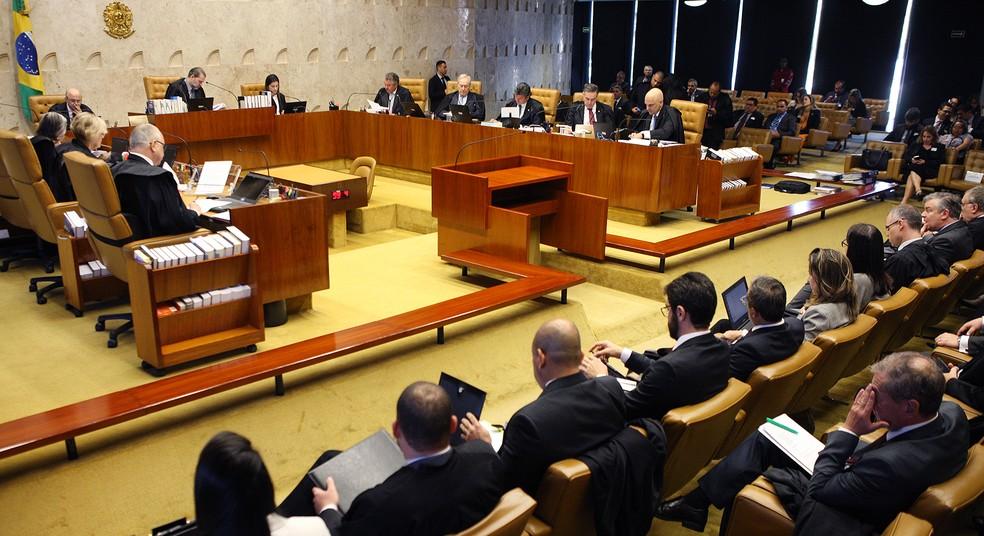 Ministros no plenário do Supremo Tribunal Federal (STF) durante sessão na manhã desta quarta (12) — Foto: Nelson Jr./SCO/STF