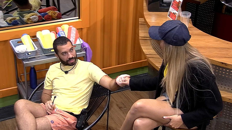 BBB21: Gilberto opina sobre Karol Conká  — Foto: Globo