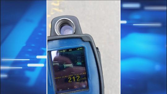 Motorista é flagrado a 212 km/h em rodovia em obras de SC
