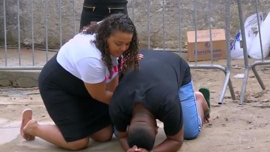 Rapaz que abriu casa para projeto social na favela ganha reforma de Huck e casamento surpresa!