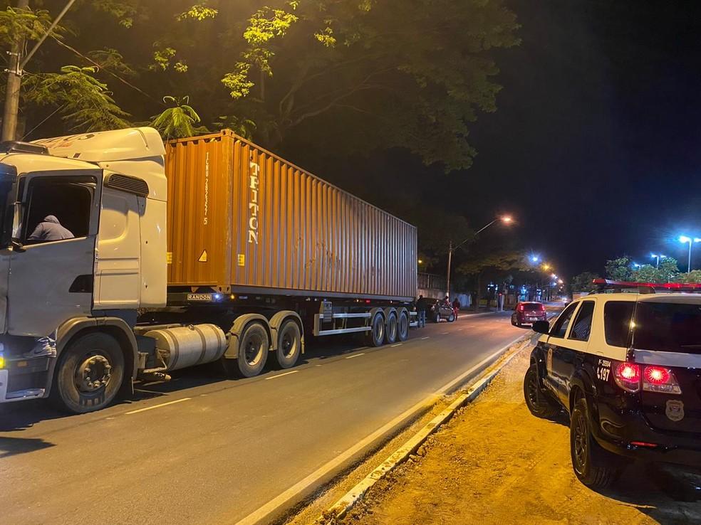 70 tijolos de cocaína foram apreendidos na madrugada deste sábado (7) em Itu — Foto: Divulgação/Polícia Civil