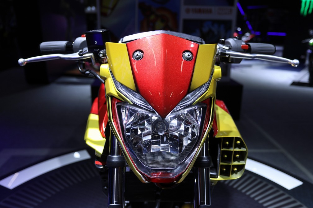 Yamaha apresenta a MT-03 inspirada no Homem de Ferro, da Marvel — Foto: Fábio Tito/G1