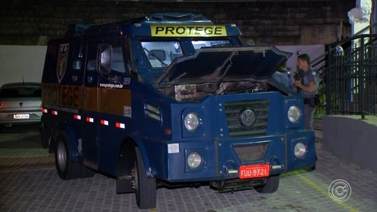 Criminosos tentam assaltar carro-forte em rodovia entre Piedade e Ibiúna