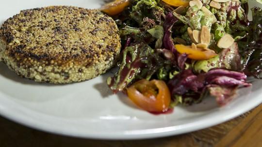 Receitas com quinoa: confira 5 opções simples e leves para incluir no cardápio