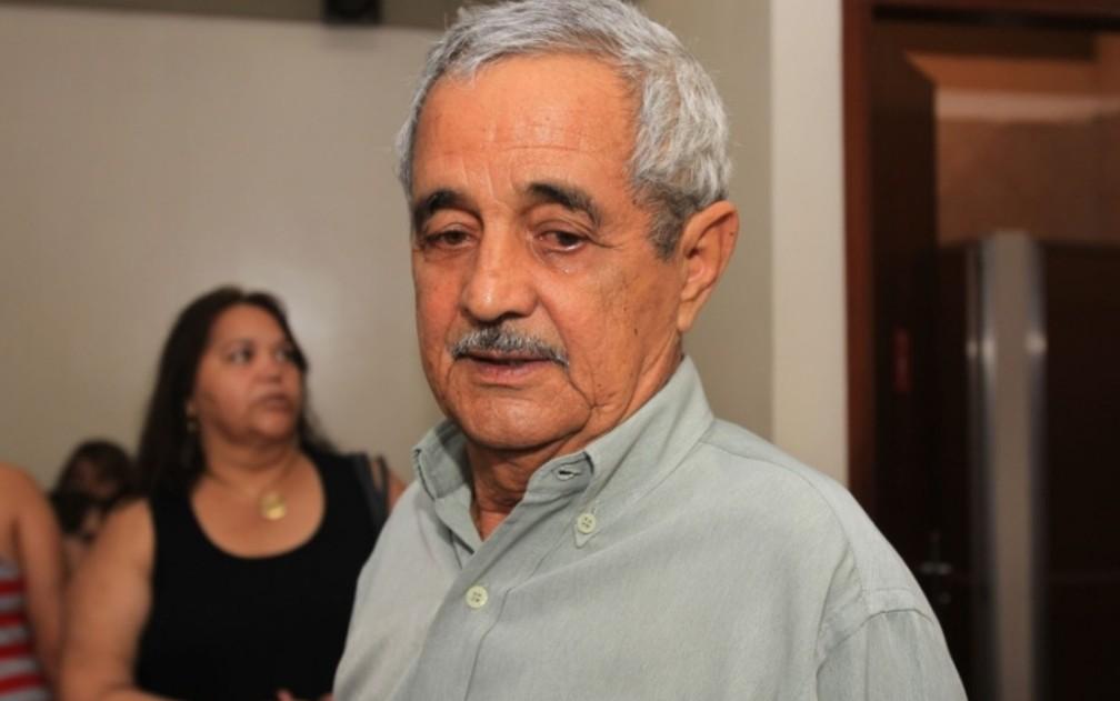 Francisco José de Camargo - tirada em 2012 — Foto: Cristina Cabral/O Popular