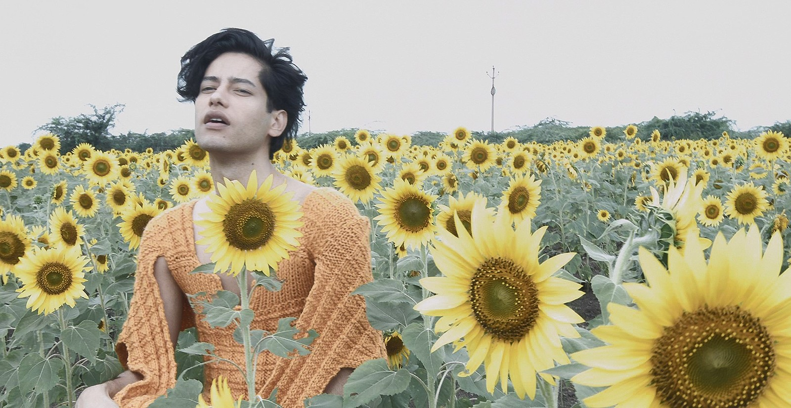 Jaloo soa frágil em canção confessional que anuncia segundo álbum do artista do Pará