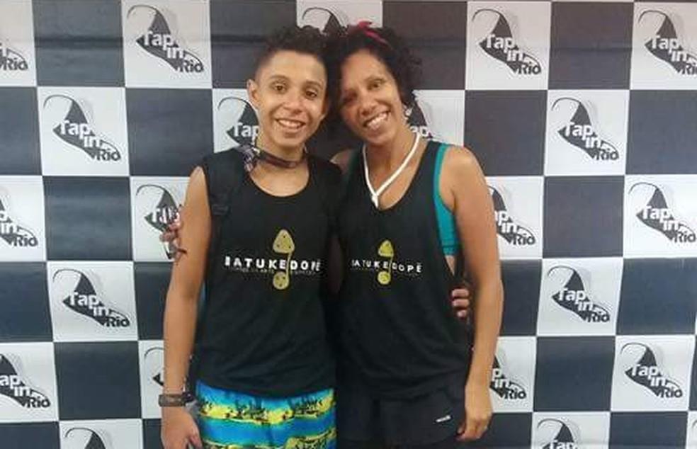 Aurélio Sanches e a mãe, Valéria, no festival Tap in Rio — Foto: Arquivo Pessoal